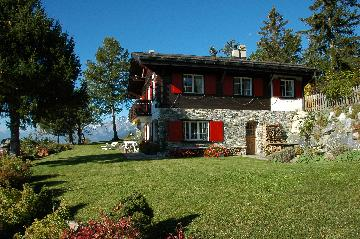 Magnificent authentic chalet on a top location only a few kilometers from Crans/Montana.